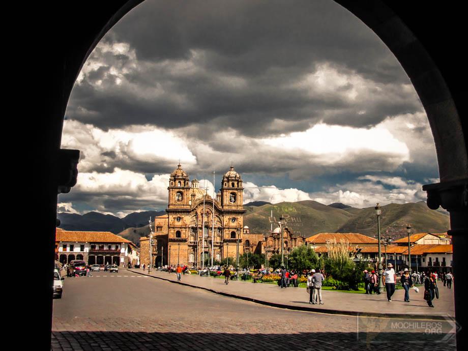 Plaza de Armas de Cuzco desde el Portal de Panes. Foto: Nelson Mochilero