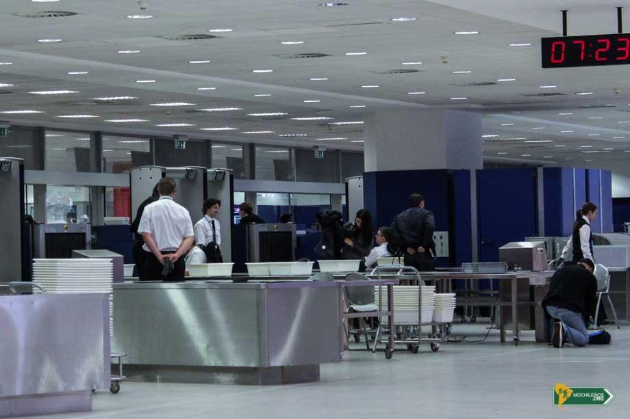 control de seguridad vuelos aeropuerto