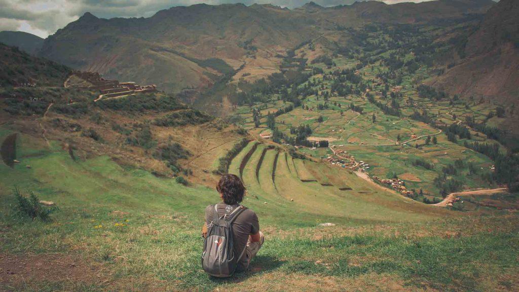 @NelsonMochilero en las alturas de Pisac - Cusco, Perú ©2020 Mochileros.org
