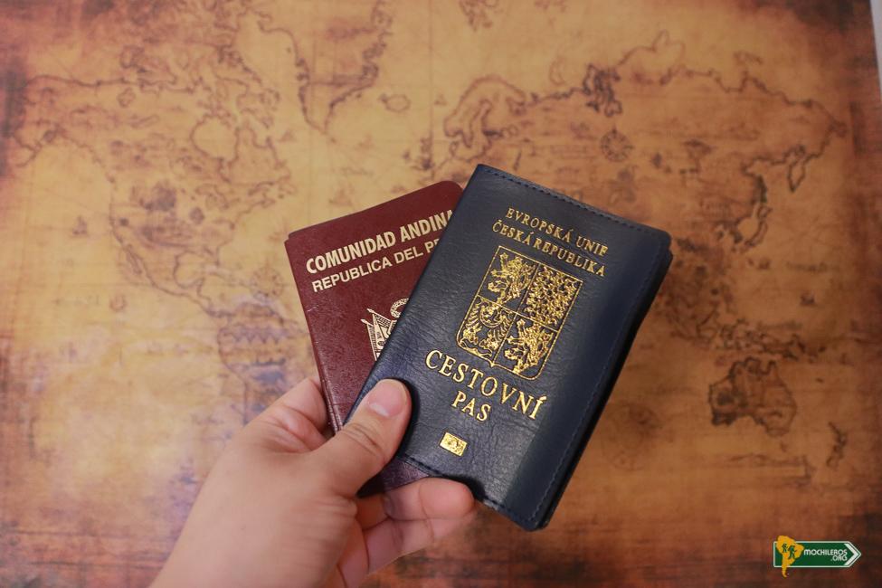 Documentos de viaje: qué llevar en la mochila - Mochileros.org