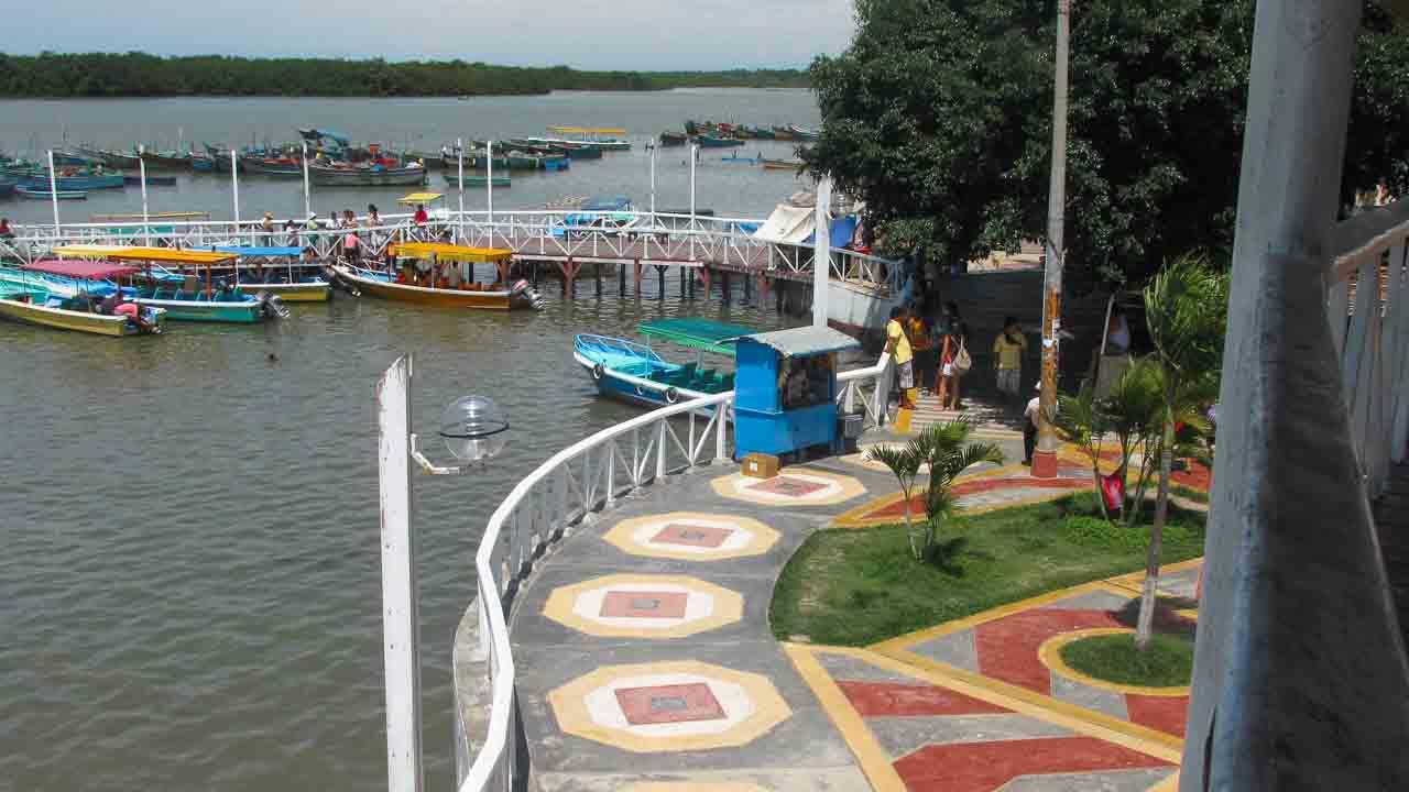 Puerto Pizarro, Perú