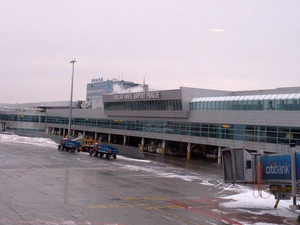 praga vaclav havel aeropuerto