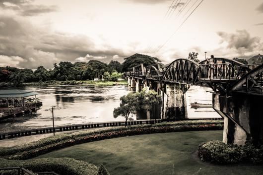 TAILANDIA Kanchanaburi rio kwai