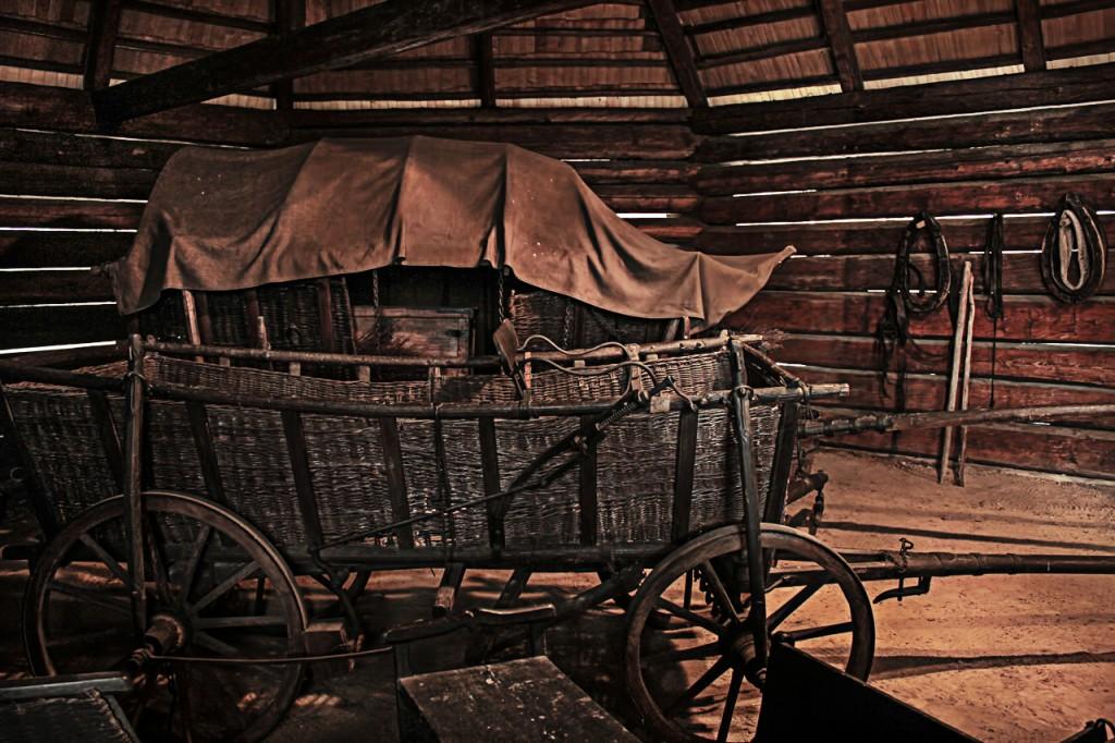 carruaje madera mochileros
