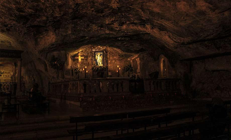 gruta en el monte sant angelo Gargano Puglia