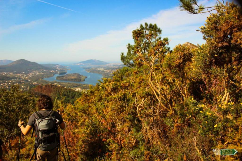 Nelson Mochilero bajando, monte del Ciervo - Miño, Portugal