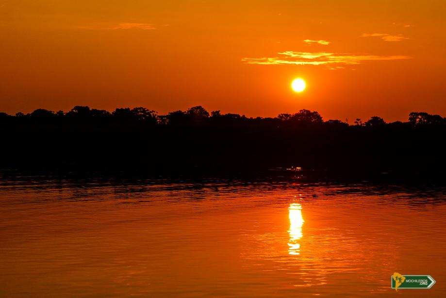 Iquitos Mochileros Sunset, puesta de sol - Nelson Mochilero